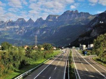 Meteo e traffico in autostrada: incidente sulla A1 Milano-Napoli e in A16