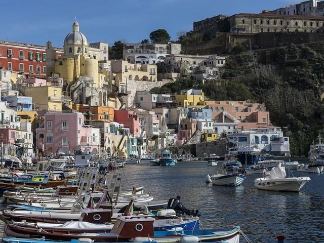 Procida ce l'ha fatta: sarà capitale italiana della cultura 2022