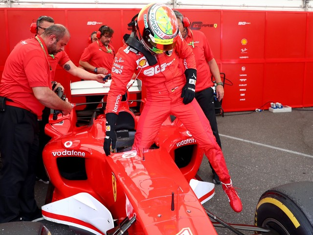 Ferrari, al gran prix del 2019 sarà record di 10mila vendite
