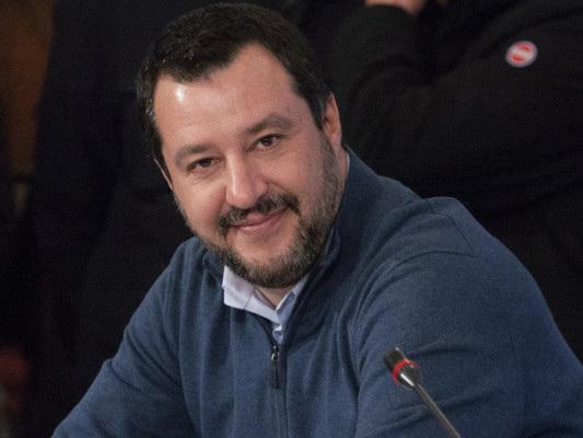 """Salvini ha promesso ai pastori sardi una soluzione """"entro 48 ore"""""""
