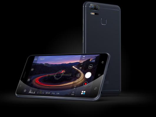 ASUS ZenFone Zoom S arriva in Italia: le spedizioni partiranno il 17 maggio