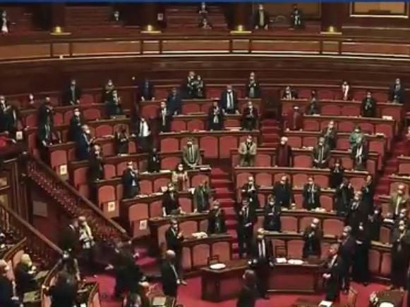 Il Senato ricorda Jole Santelli. Ma la maggioranza non applaude