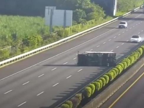 Tesla Autopilot: lo scontro in autostrada contro un camion