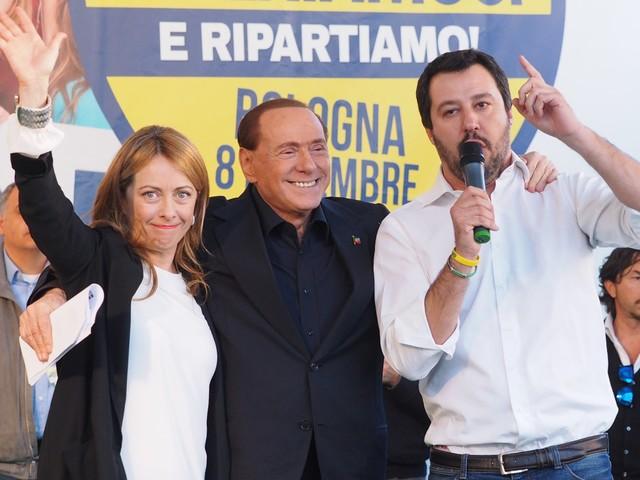 "Berlusconi-Salvini-Meloni fumata bianca al vertice: ""Intesa sulle candidature"""