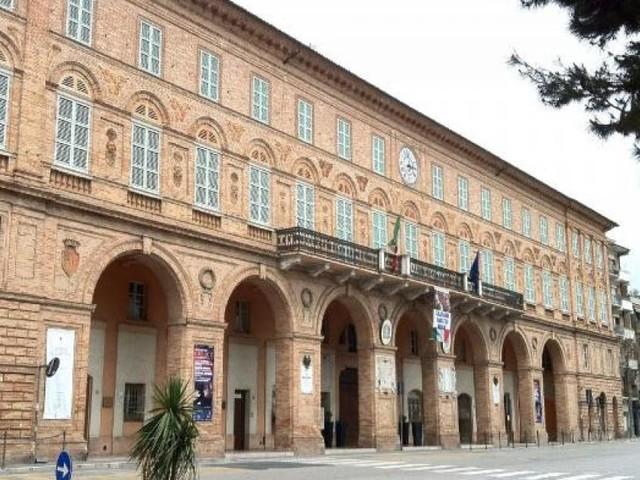Civitanova, il 16 agosto disposta la chiusura degli uffici comunali