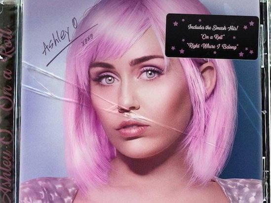 Miley Cyrus rilascia i brani dell'episodio di Black Mirror (streaming!)