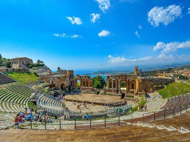 Cosa vedere a Taormina: l'itinerario con tutti i luoghi da non perdere