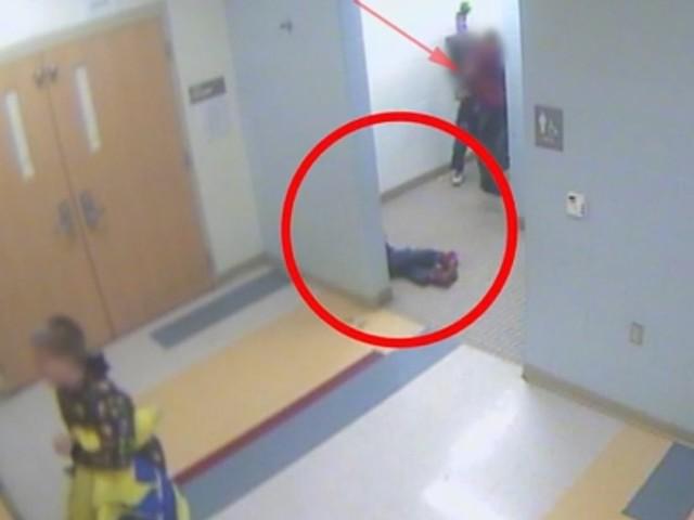 Bullismo a scuola, bimbo di 8 anni si impicca nella sua cameretta