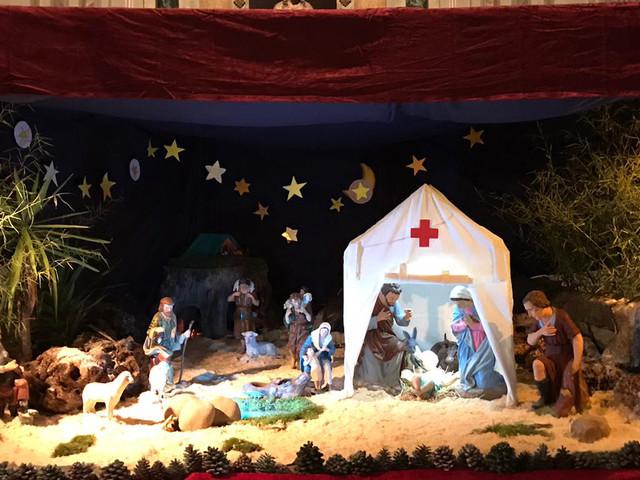 Presepe 'scout' a Bozzolo: Gesù nasce in una tenda da campo