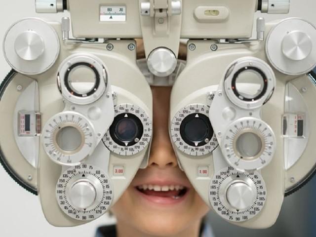Giornata mondiale della vista, giovani sempre più miopi per colpa della tecnologia