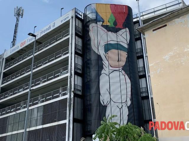Tony Gallo e il silos che comincia a prendere colore