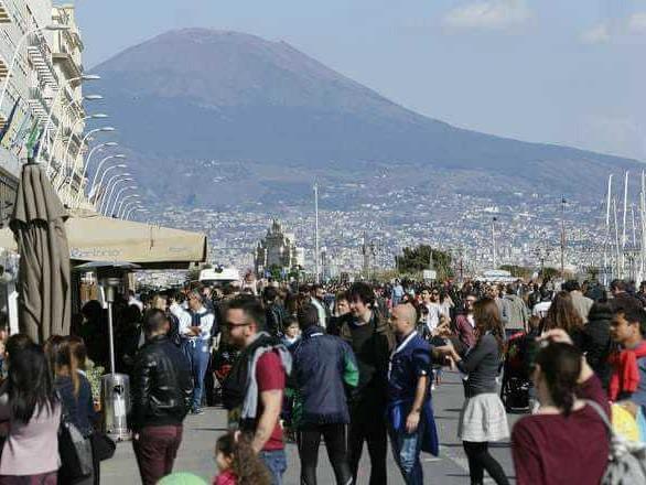 Napoli: aumenta la tassa di soggiorno. Scatta la protesta degli operatori turistici