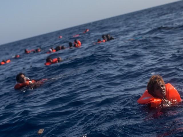 "Nuova strage nel Mediterraneo. ""Donne e bimbi tra i 117 morti"""