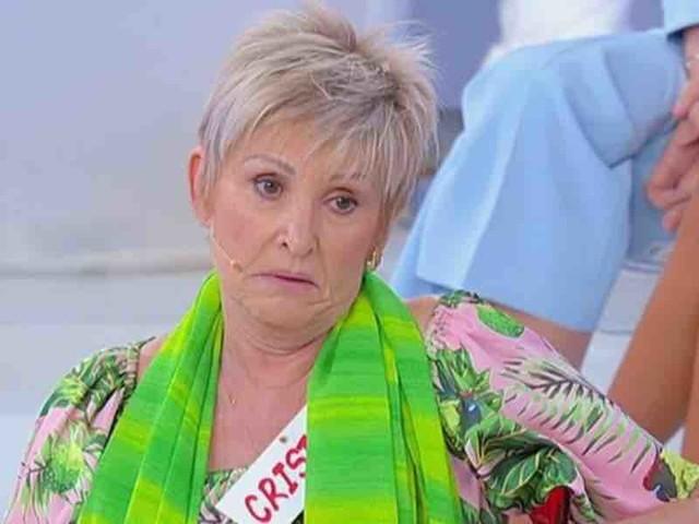 """Tutti contro Daniel a Uomini e Donne: """"sei un malfattore"""". Il cavaliere lascia lo studio   Video Witty Tv"""