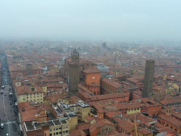 Bologna, 7000 evacuati per brillamento ordigno