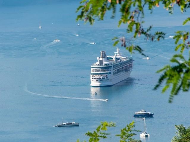 Perché scegliere il traghetto come mezzo di trasporto per recarsi in Sardegna?