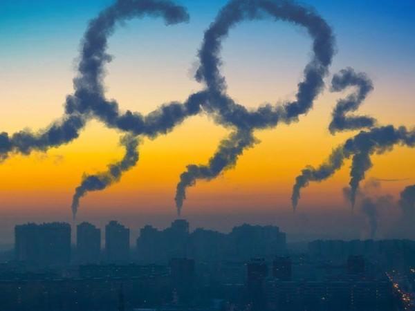 Clima, la lezione 'dirigista' e infelice del Covid-19: con la pandemia emissioni in linea con Parigi