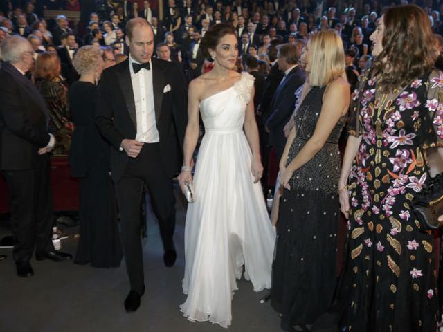 Kate Middleton in bianco, e tutti gli altri look ai BAFTA 2019