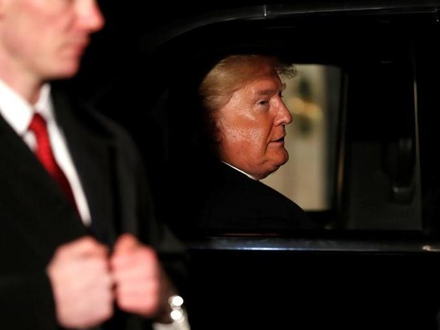 """Impeachment, la commissione intelligence approva il rapporto: """"Prove schiaccianti contro Trump"""""""