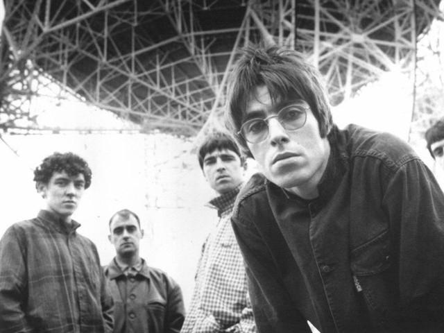 """Una reunion degli Oasis è possibile? Noel Gallagher: """"Artisticamente insensata"""", Liam: """"Tu speravi che i Blur morissero"""""""