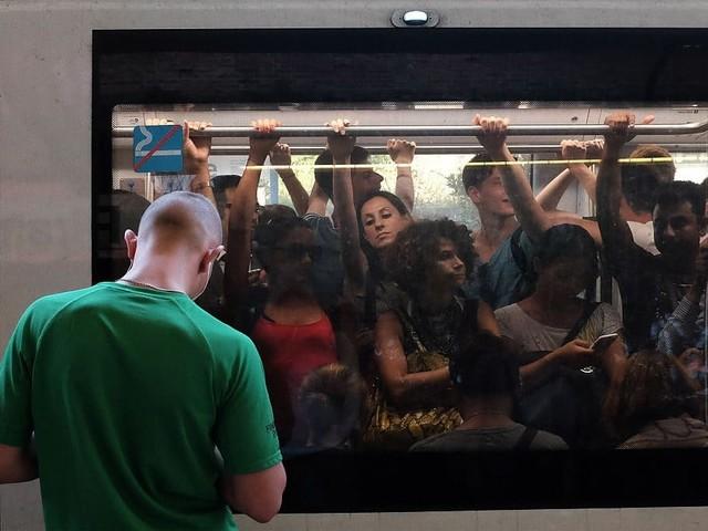 """Metro Roma, ad agosto stop alla linea A: """"I binari sono da sostituire"""""""