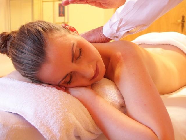 Massoterapia:benefici, diverse tecniche di massaggio, costi e controindicazioni
