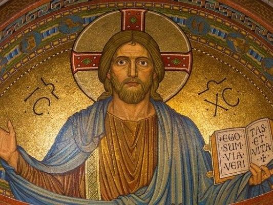 """Liliana Segre """"ha detto che Gesù era ebreo"""": il consigliere comunale di Trieste si dichiara """"offeso"""""""