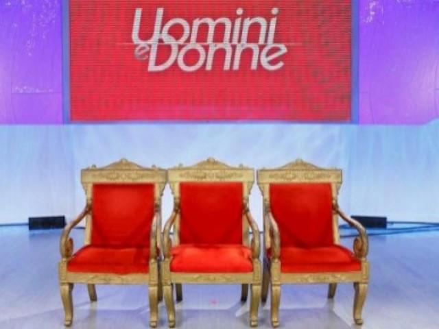 Gossip Uomini e donne: due tronisti vicini alla scelta? Gli indizi