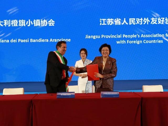 San Ginesio firma un Memorandum d'Intesa con la regione cinese della Jiangsu