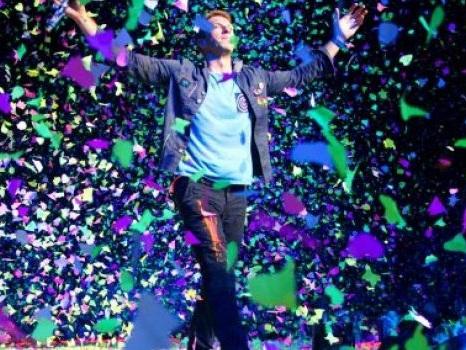 La data d'uscita del nuovo album dei Coldplay svelata da una grafica pubblicitaria?