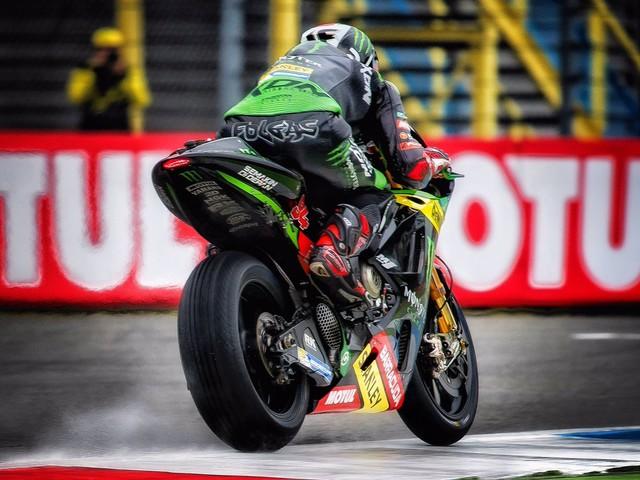 MotoGP Assen: pole di Zarco, Rossi 4°