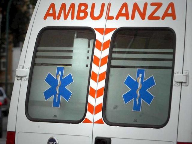 Castelvetrano (Trapani), pullman si ribalta: due morti, diversi feriti