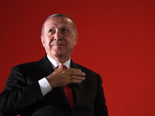 "I turchi (smentiti): ""Presa Ras al-Ain"". Bombe sulle carceri: jihadisti liberi"