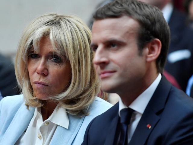 """Brigitte la carta di Macron per recuperare consensi: """"Renderò pubblica la mia agenda, così i francesi sapranno cosa faccio"""""""