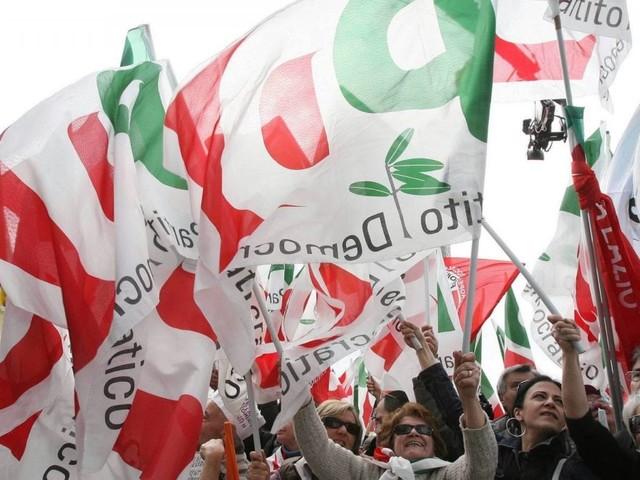 """Congresso Pd, Calenda attacca Zingaretti: """"Se vogliono ripartire da D'Alema, non ci siamo"""""""