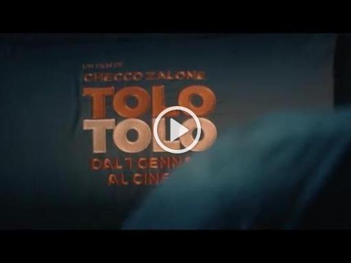 Checco Zalone torna con il nuovo singolo «Immigrato» - Il video