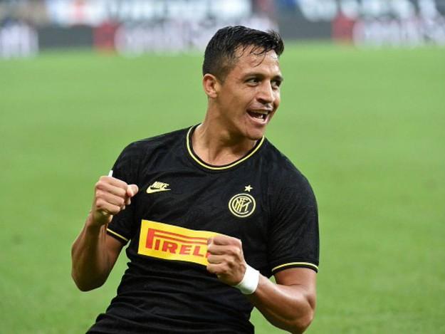 Inter, Sanchez operato alla caviglia: starà fuori tre mesi