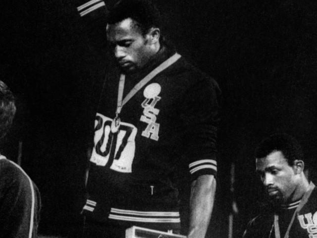 Il dettaglio in questa iconica foto delle Olimpiadi di Città del Messico 1968 di cui finora nessuno mai ha parlato