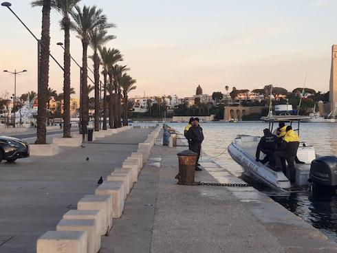 L'ordigno di Brindisi, scatta la maxi evacuazione: città deserta