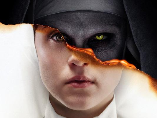 The Nun – La Vocazione del Male: il bene e il male convivono sul nuovo poster