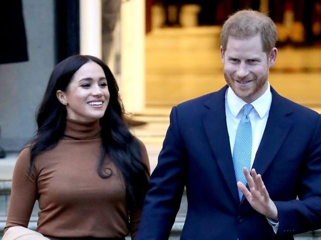 Harry e Meghan Markle mandano a casa 15 persone del loro staff a Buckingham Palace