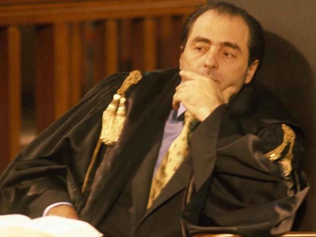 """Antonio Di Pietro """"avrei arrestato Andreotti se..""""/ """"Craxi? Vero potere era la mafia"""""""