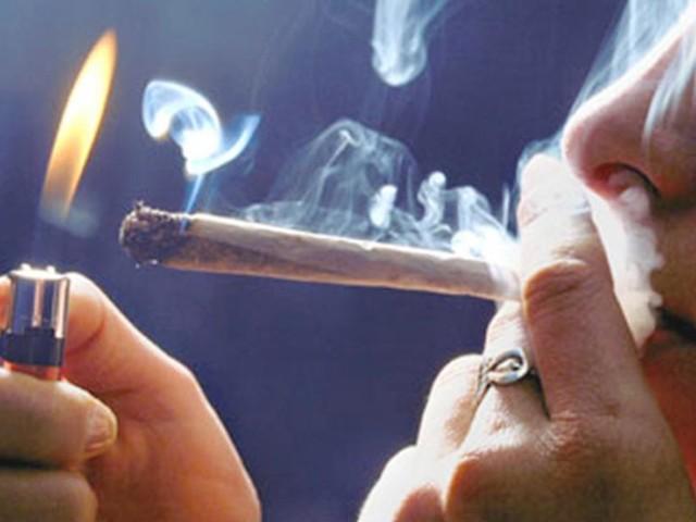 Fumare marijuana da adolescenti aumenterebbe il rischio depressione in età adulta del 40%