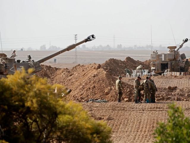 """Gaza, 22 morti nella Striscia per raid di Israele. Netanyahu: """"Fermatevi o colpiremo ancora"""""""