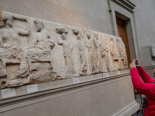 No, l'Unione Europea non ha chiesto al Regno Unito di restituire i marmi del Partenone