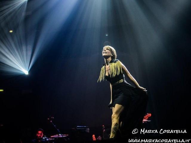 Alessandra Amoroso e la denuncia dell'Ater per il video di 'Fidati ancora di me': la precisazione della casa discografica