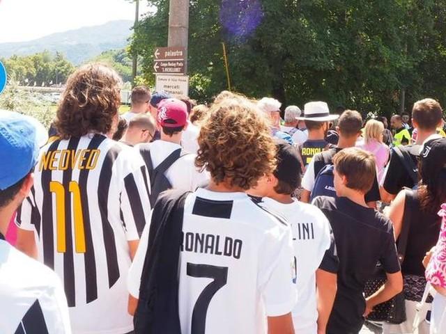 Juventus A vs Juventus B: tifosi in coda da ore per vedere i loro idoli