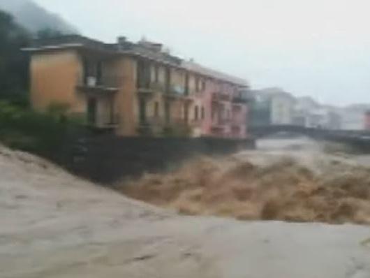 L'Italia è sotto la pioggia: tromba d'aria in Liguria e allagamenti in Toscana