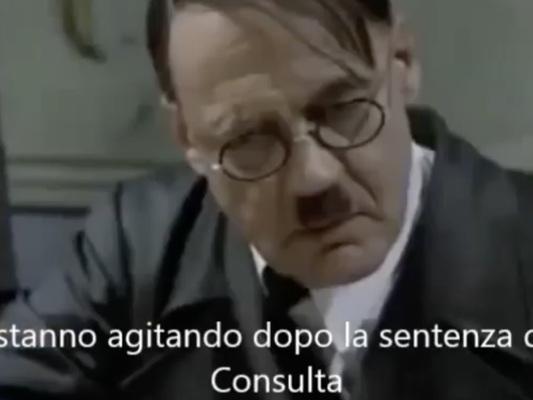 Il sottosegretario alla Difesa pubblica un video parodia con Hitler e la Trenta lo riprende