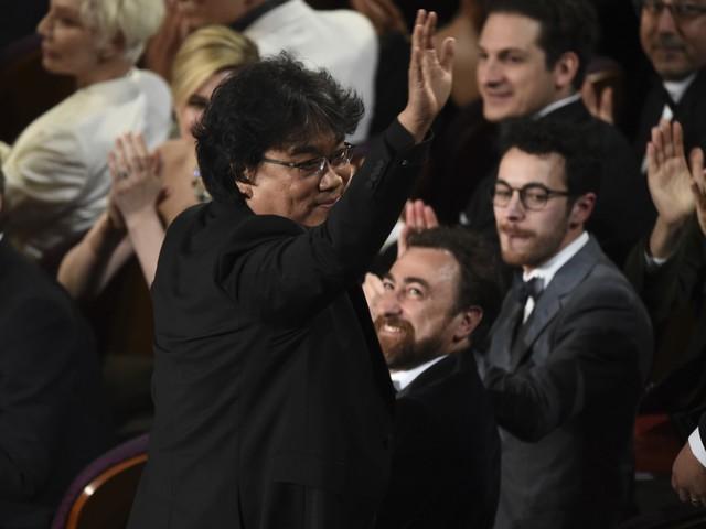 """Trump contro l'Oscar al film coreano Parasite: """"Ridateci Via col vento"""""""